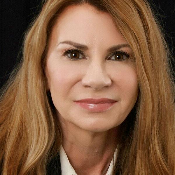 Dr Julie Siemers